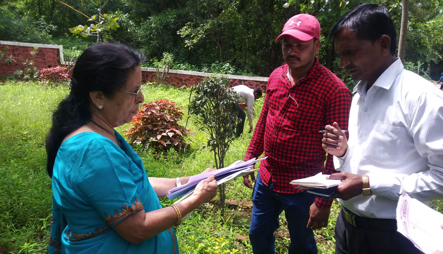 Mrs. Sanjivani Mujumdar who spearheads landscap and Garden develpment giving onsite tips for butterfly garden develoment